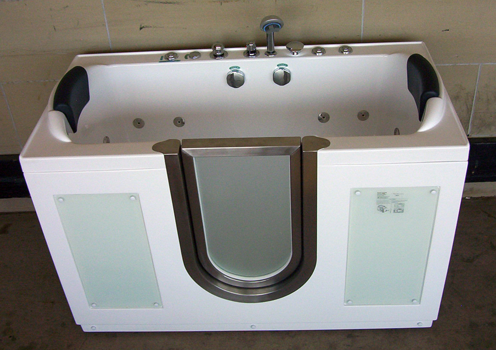 Luxury Spas And Whirlpool Bathtubs Wi 08 Walk In Tub